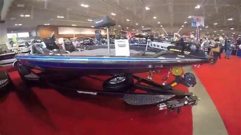 Phoenix Boats Youtube by 2016 Phoenix 819 Pro Bass Boat Overview Youtube