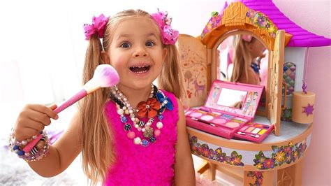 Diana Pretend Play Dress Up & Kids Make Up Toys — Мисс