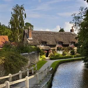 Country Cottage - Yorkshire Village - UK Stock Image ...