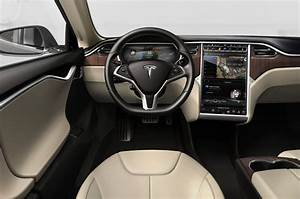 2017 Tesla Model X Reviews and Rating | Motor Trend