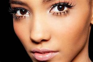Your Guide To Applying False Eyelashes Like A Pro