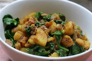 Indian Cooking – Methi Chicken, Sag Aloo and Naan Bread