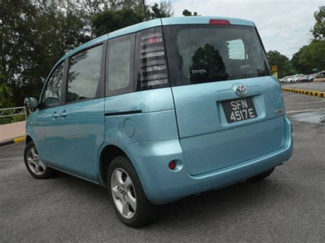 Review Toyota Sienta by 2005 Toyota Sienta Review