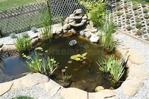 Gartenteich Mit Wasserfall : gartenteich mit wasserfall stockfoto bild von betriebe 25846920 ~ Orissabook.com Haus und Dekorationen
