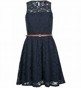 Robe dentelle bleu marine fashion pinterest for Robe dentelle bleu marine