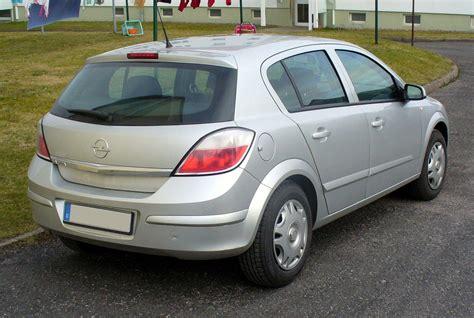 Opel Astra H by Astra H Autos Weblog