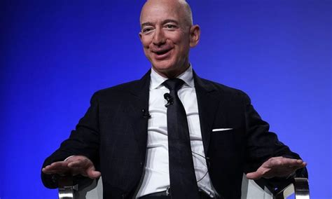 Amazon CEO, Jeff Bezos becomes the Worldâ s first person ...