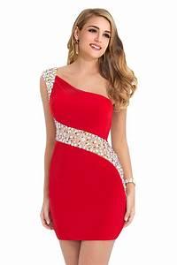robe de soiree rouge courte moulante avec bijoux sur With robe de soirée courte moulante
