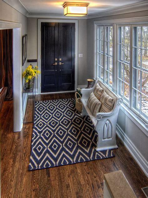 Interior Door Rugs by Entryway Rug On Interior Columns Home