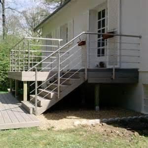 Construire Un Escalier Extérieur En Bois by Escalier Ext 233 Rieur Construire Un Escalier En Bois