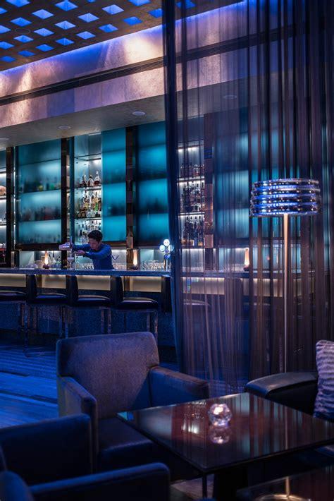 blue bar hong kong bar review conde nast traveler