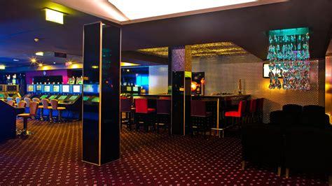 bars restaurants casino monte gordo