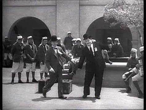 Stanlio E Ollio I Diavoli Volanti I Diavoli Volanti The Flying Deuces 1939 A Edward