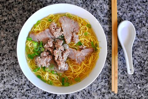 hu tieu mi vietnamese pork noodle soup keeprecipes