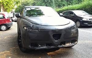 Suv Alfa Romeo Stelvio : surprise voici l 39 int rieur du suv alfa romeo stelvio ~ Medecine-chirurgie-esthetiques.com Avis de Voitures