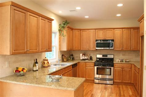 kitchen cabinets companies midwest cabinet company heritage birch traditional 2936