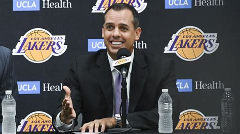 frank vogel lays  plan  lift lakers
