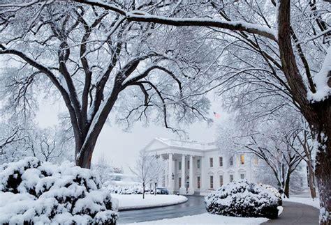 white house snow photo crew