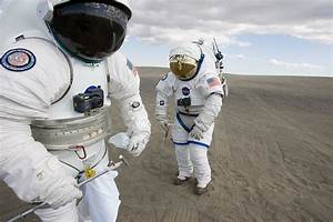 Modern Astronaut Suits (page 3) - Pics about space