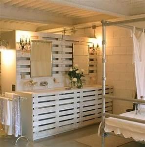 Pallet Room Divider Provides Solitude While Working Pallet Furniture DIY