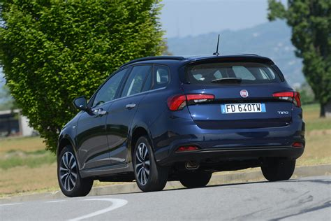 Fiat Wagon by New Fiat Tipo Station Wagon Estate 2016 Review Pictures