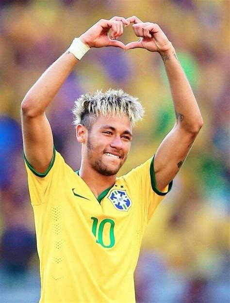 ultimate soccer haircuts    soccer players