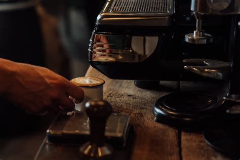 Step by step from beginning to end. How To Make An Espresso.   Forge Coffee