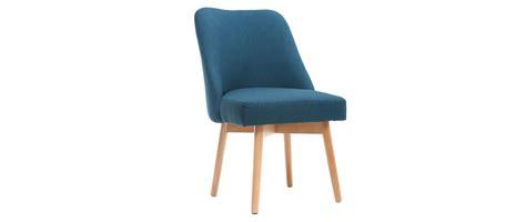 chaise bleu canard chaise scandinave tissu bleu canard pieds bois clair liv