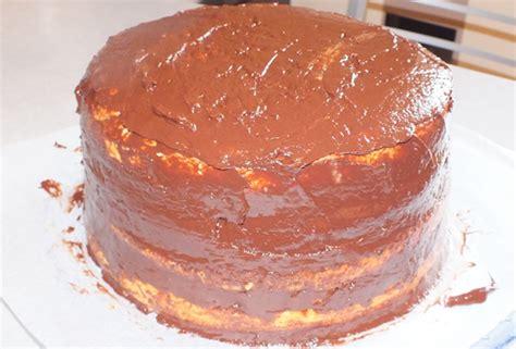 etaler pate a sucre gateau de noel framboises chocolat en pate a sucre la recette pas a pas papilles en eveil