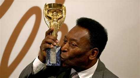 pele auctions   worth  gear including world cup