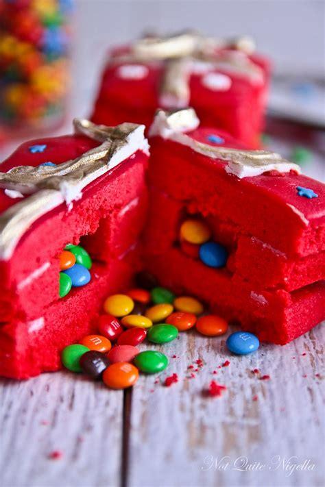 surprise candy christmas gift cookies    nigella