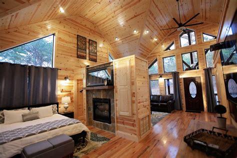 cabins for in broken bow ok one up cabin in broken bow ok sleeps 2