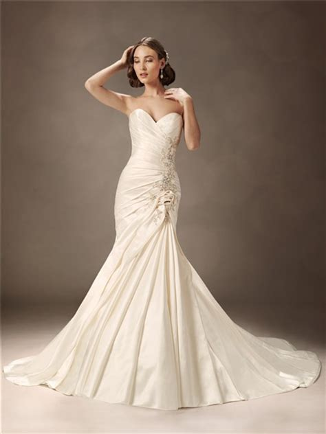 trumpetmermaid sweetheart court train ivory satin wedding