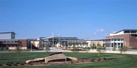 Fossil Ridge High School - RB+B Architects