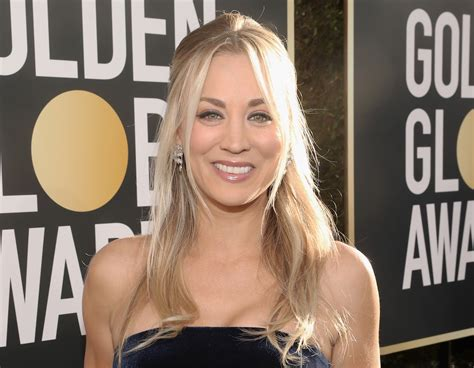Kaley Cuoco Wears Dress With Pockets Golden Globes