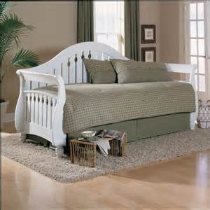 fraser daybed with link spring and pop up trundle in frost