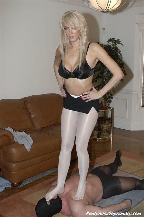 Mature handjob insruction pantyhose