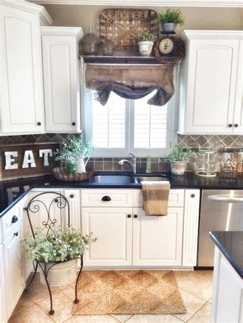 Decorating Ideas For Black Kitchen by 21 Best Farmhouse Kitchens Design And Decor Ideas For