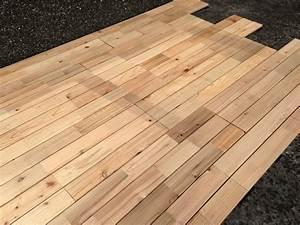Lame De Bois Terrasse : patio en bois de c dre massif clipsable id al pour ~ Dailycaller-alerts.com Idées de Décoration