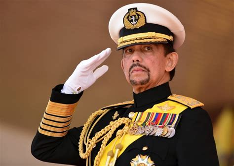 sultan hassanal bolkiah brunei bans christmas threatens 5 years in jail for