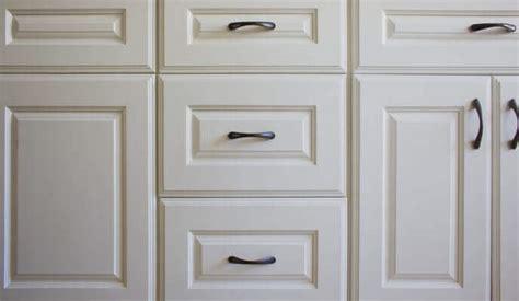 Surfaçage D'armoires  Refacing D'une Cuisine Pour Sauver