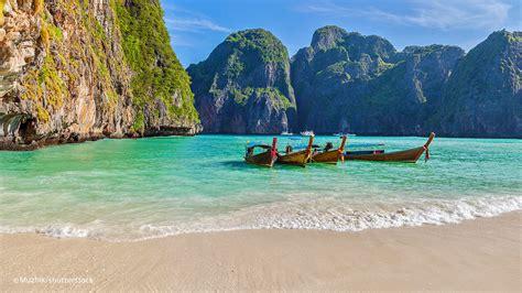 Phi Phi Islands Beaches Loh Dalum, Tonsai Bay, Long Beach