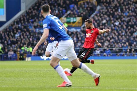 Ronaldo é um ignorante e não respeito pelos companheiros e italianos. Everton Vs Man U - Everton 0-2 Manchester United AS IT ...