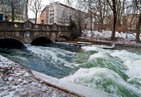 Englischer Garten München Eisbachwelle by Eisbachwelle De Eisbach M 220 Nchen River Surfing Alles