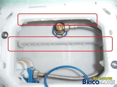 wc suspendu gr 246 he fuite d eau autour bouton chasse