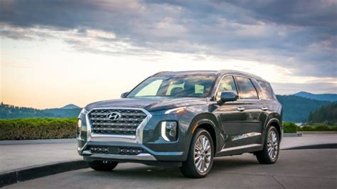 hyundai palisade offers affordable upscale