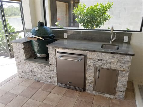 outdoor kitchen with big green egg the big green egg outdoor kitchen outdoor kitchens 9025
