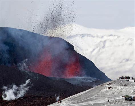 Madeleine salzberger vulkanausbruch in island nach zwei tagen kam mein drache leon von island zur er erzählte mir alles, was er in island gesehen hatte: Island: Vulkanausbruch könnte zu einer Gletscherschmelze ...