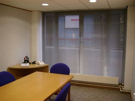 office window blinds office blinds glazing