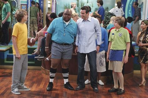 8 pics that will make you miss suite life on deck star